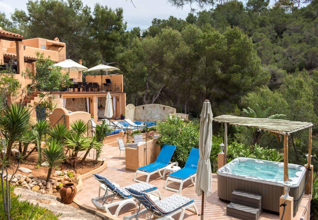 Jacuzzi dans la Casa Capricho à Ibiza