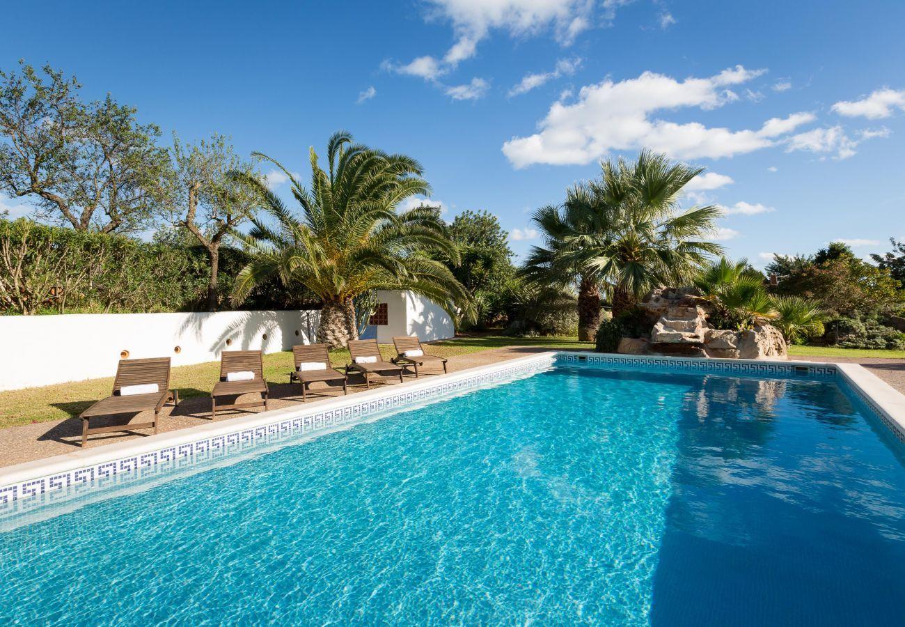 Vues de la villa Canseres à Ibiza