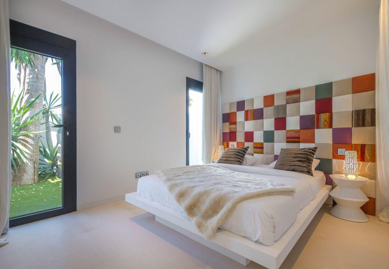 Villa à Sant Josep de Sa Talaia - VILLA VIEW
