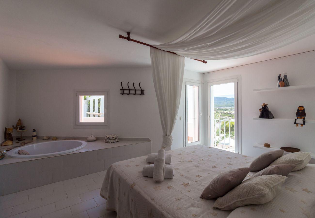 Villa à Sant Josep de Sa Talaia - VILLA AROLA