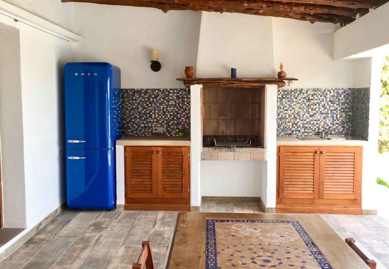 Gîte Rural à Santa Eulalia des Riu - CAN ARTIST