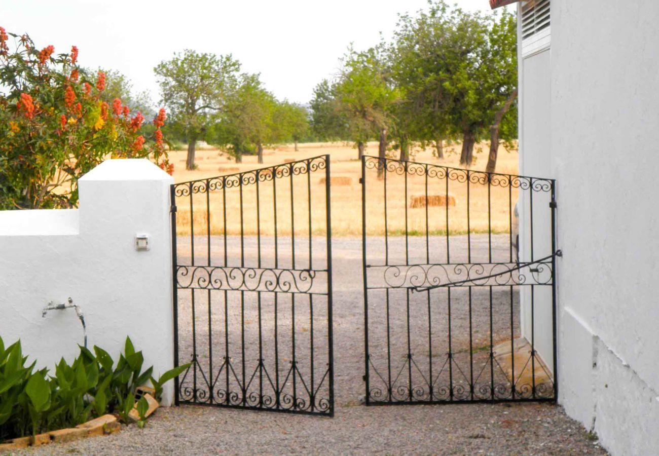Gîte Rural à Sant Llorenç de Balafia - CASA MORENO